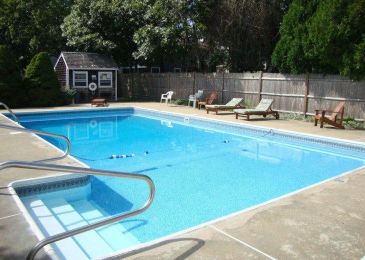 Pool & 300 yards to the beach , 4 Bedroom/ 1.5 bath Cape sleeps 8-9 #1