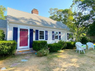 New to the rental market* Beautifully updated Cape getaway!