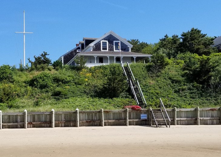 Waterfront Cape Cod Cottage with private beach 5 bedrooms #1