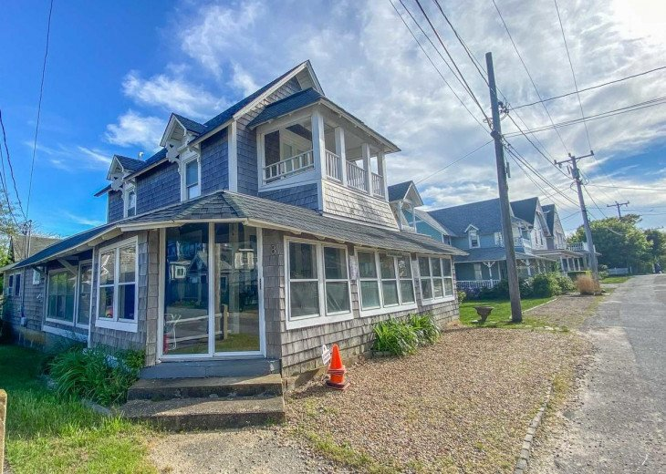 Steps to Beach! Updated OB Cottage, Walk to Town/Ferries, AC #1
