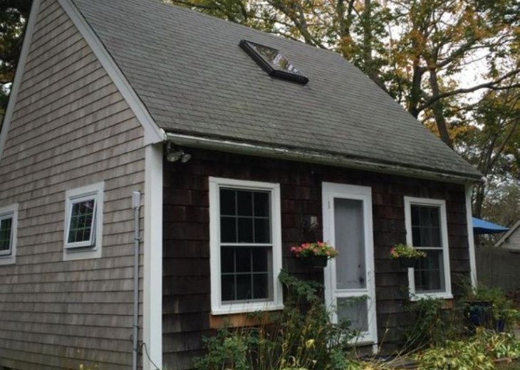 46B Jackson Ave, Charming 1 Bedroom Cottage #1