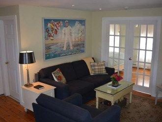 Westville Cottage - Boutique Luxury Accommodation West End - Pet Friendly