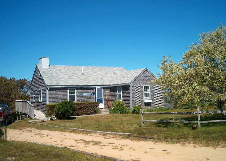 Charming Cottage near Long Pond #1
