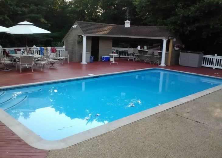 RESORT LIKE HOME SLEEPS 20, WITH POOL AND HOT TUB NEAR CRAIGEVILLE BEACH #1