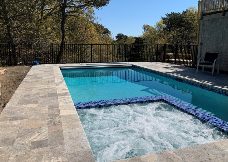 New heated Saltwater Pool and Hot Tub